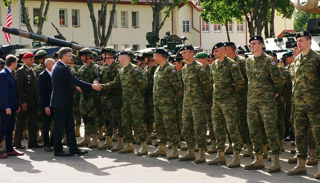 Predsjednik Vlade RH s hrvatskim vojnicima u Poljskoj