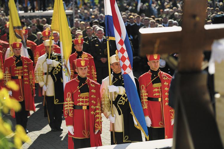 Vjera i krunica snaga su i poticaj Hrvatskoj vojsci