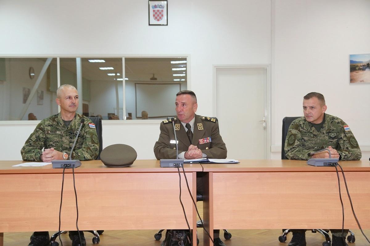 General Šundov održao predavanje polaznicima CSEL tečaja